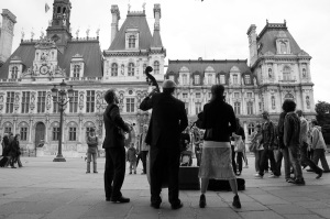 Street performers in Paris