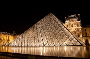 The pyramid of Louvre